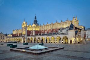 krakow-atrakcja-sukiennice